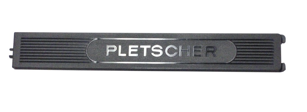 Copertura in plastica per scomparto pompa Pletscher nero